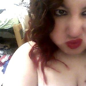Duckface mit roten Lippen